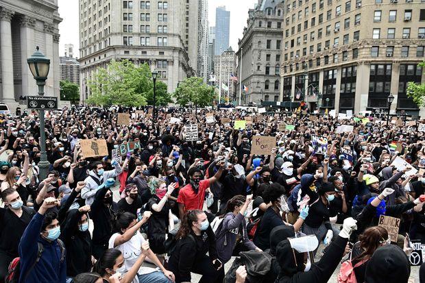 COVID19に対する政策への反対デモ